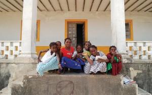 Estudantes da Ilha do Ibo, Moçambique. Cultura da África se encontra com a brasileira dentro do mesmo idioma